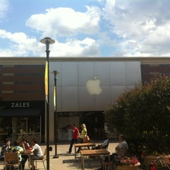 Photo taken at Apple Store, Partridge Creek by Andrew H. on 6/3/2012