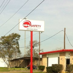 Photo taken at 24hr Safety Beaumont by Daniel S. on 2/20/2012