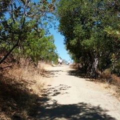 Photo taken at Fryman Canyon by Daniel L. on 9/2/2012