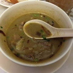Photo taken at Amir Soup Corner by Ρψ🅰иZ® on 7/26/2012