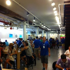 Photo taken at Apple Store (Temp Location) by Amauri Z. on 7/7/2012