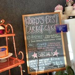 Photo taken at Carrot Cake by Midorikai on 5/14/2012