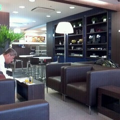 Photo taken at Lounge HSBC Premier by Marcelo N. on 2/27/2012