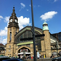 Photo taken at Hamburg Hauptbahnhof by Semi E. on 8/6/2012