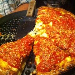 Photo taken at Klávon's Pizzeria & Pub by Chad P. on 8/13/2012