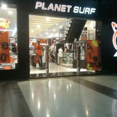 Photo taken at Planet Surf by agung h. on 3/31/2012