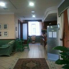 Foto scattata a Mondial Hotel Porto Recanati da Davide T. il 3/30/2012