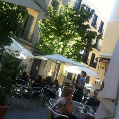 Photo taken at Bar La Plateria by Stanley W. on 5/22/2012