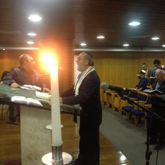 Photo taken at Sinagoga da Hebraica by Jose Luiz G. on 6/8/2012