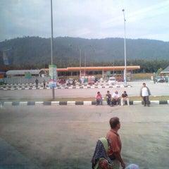 Photo taken at Petronas R&R Seremban (Utara) PLUS Highway. by Asyraf S. on 8/31/2012