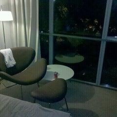 Photo taken at Howard Johnson Hotel La Cañada by Javier L. on 4/23/2012