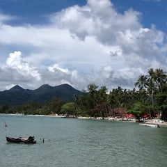 Photo taken at Magic Resort Koh Chang by Aump P. on 3/8/2012