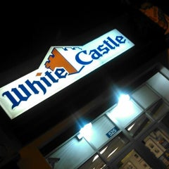 Photo taken at White Castle by Fred M. on 7/14/2012