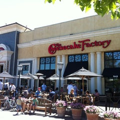 Photo taken at The Cheesecake Factory by Zakhi ©. on 5/12/2012
