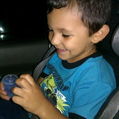 Photo taken at Chuck E. Cheese's by Venissa V. on 9/13/2012