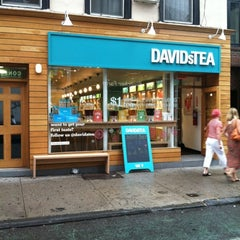 Photo taken at DAVIDsTEA by Damian C. on 8/1/2012