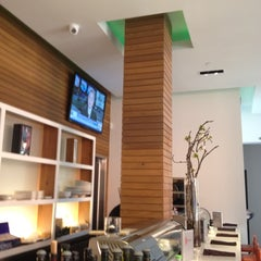 Photo taken at Zen Bistro Sushi by Michael C. on 3/30/2012