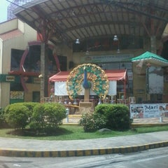 Photo taken at 888 Chinatown Square by Robe P. on 7/11/2012