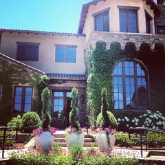 Photo taken at Montaluce Vinyard and LeVigne Restaurant by Lauren B. on 6/2/2012