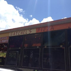 Photo taken at Satchel's Pizza by Karalyn G. on 7/14/2012
