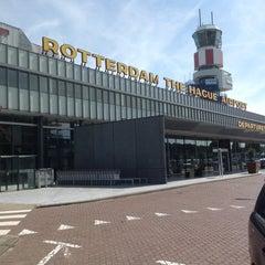 Das Foto wurde bei Rotterdam The Hague Airport (RTM) von Dyderick am 8/12/2012 aufgenommen