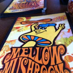 Photo taken at Mellow Mushroom Pizza Bakers by Will B. on 7/10/2012