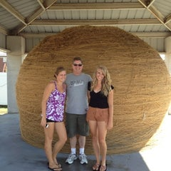 Photo taken at World's Largest Ball Of Twine   (made by a community) by Joylin B. on 8/8/2012