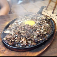 Photo taken at House of Sisig by Chrissy Jane W. on 8/27/2012