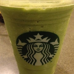 Photo taken at Starbucks by Rina on 3/4/2012