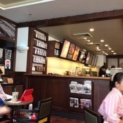 Photo taken at Starbucks Coffee by Bing B. on 3/27/2012