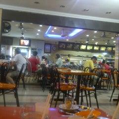 Photo taken at Restoran Jalal Yusof by Afiq O. on 8/30/2012
