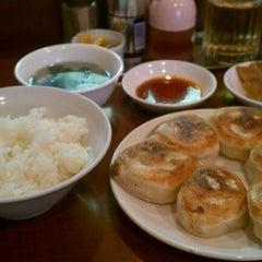 Photo taken at でっかい餃子 曽さんの店 by J K. on 8/1/2012