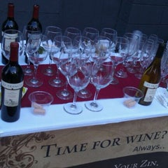 Photo taken at ZinLif!Style. Wine Soirees by Melissa H. on 5/17/2012