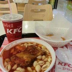 Photo taken at KFC 肯德基 by deng d. on 8/31/2012