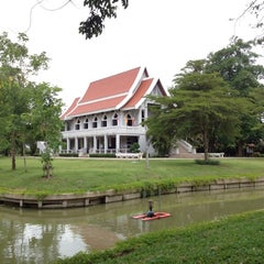 Photo taken at วัดญาณเวศกวัน (Wat Nyanavesakavan) by Kaiser S. on 6/9/2012
