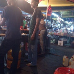 Photo taken at Pasar Malam Taman Andalas by madan m. on 6/26/2012