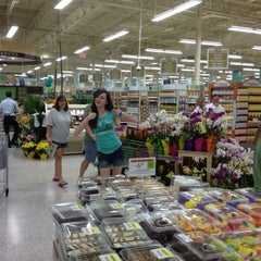 Photo taken at Publix by James H. on 4/25/2012