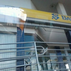 Photo taken at Banco do Brasil by nandobrasilia on 5/17/2012