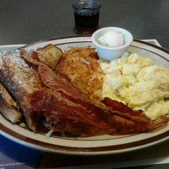 Photo taken at Denny's by Kiandra C. on 2/16/2012