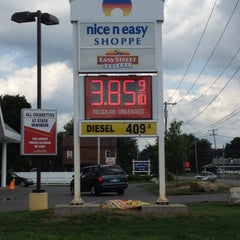 Photo taken at Nice N Easy Grocery Shoppe by Andrea on 8/15/2012