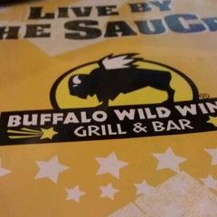 Photo taken at Buffalo Wild Wings by Jose M. on 4/22/2012