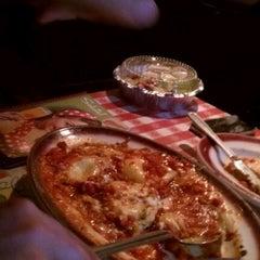 Photo taken at Buca di Beppo Italian Restaurant by Ray E. on 3/31/2012