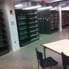 Photo taken at Library West by Willem-jan M. on 3/17/2012