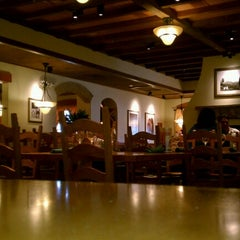 Photo taken at Olive Garden by Erica L. on 6/25/2012