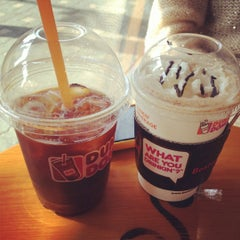 Photo taken at DUNKIN' DONUTS by sunmi H. on 4/14/2012