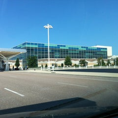 Photo taken at Springfield-Branson National Airport (SGF) by Rafik F. on 9/7/2012