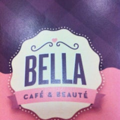 Photo taken at Bella Café by Maria Clara on 4/13/2012
