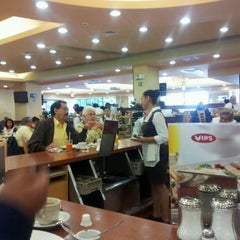 Photo taken at Vips by Poio M. on 3/2/2012