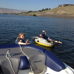 Photo taken at Snake River, Mouth Of The Hells Canyon by Bart R. on 7/11/2012