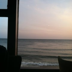 Photo taken at Chart House Restaurant by Emily R. on 4/7/2012